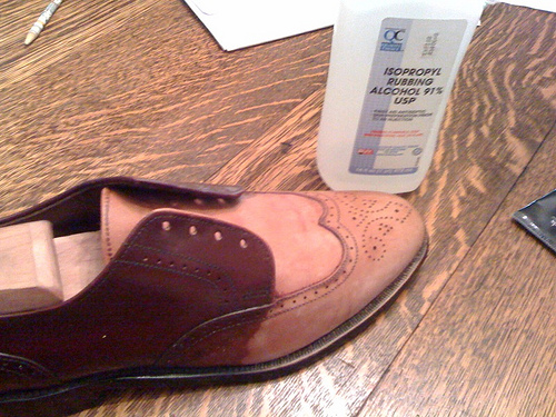 How To Get Rid Of Odors In Leather Shoes